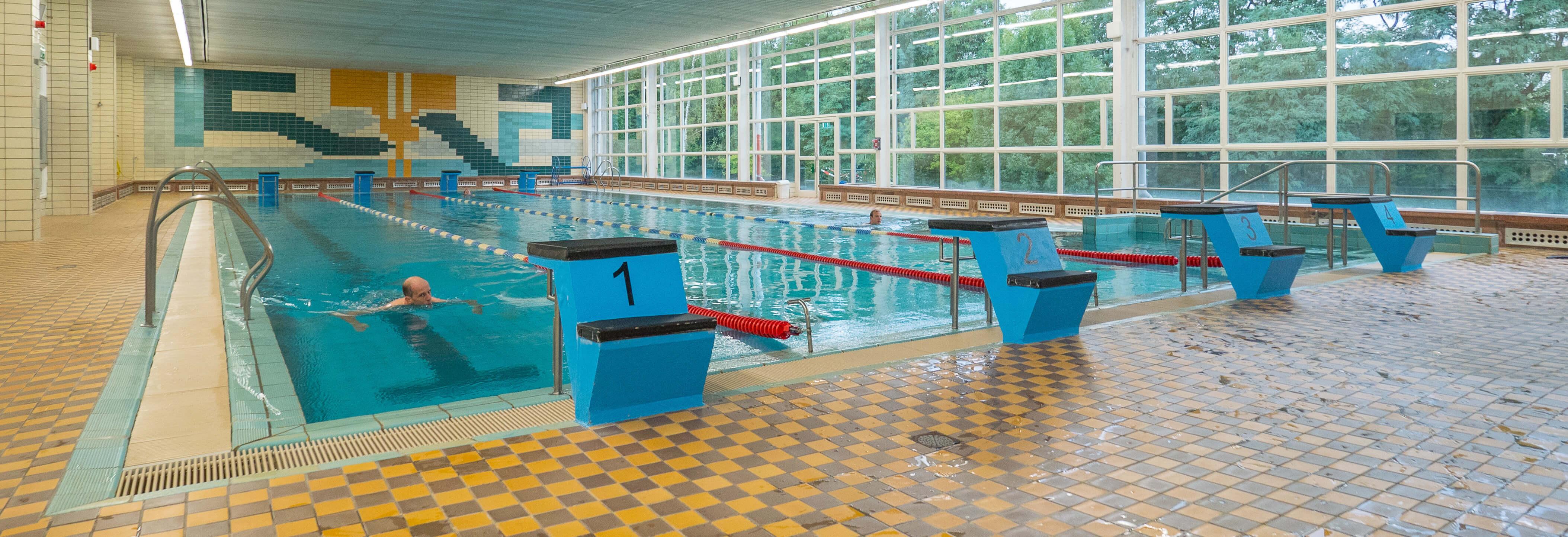 DDR Schwimmhallenbau