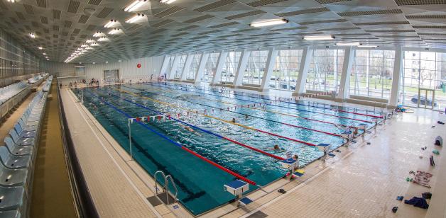 Schwimmsportkomplex 50 Meter Bahnen am Freiberger Platz