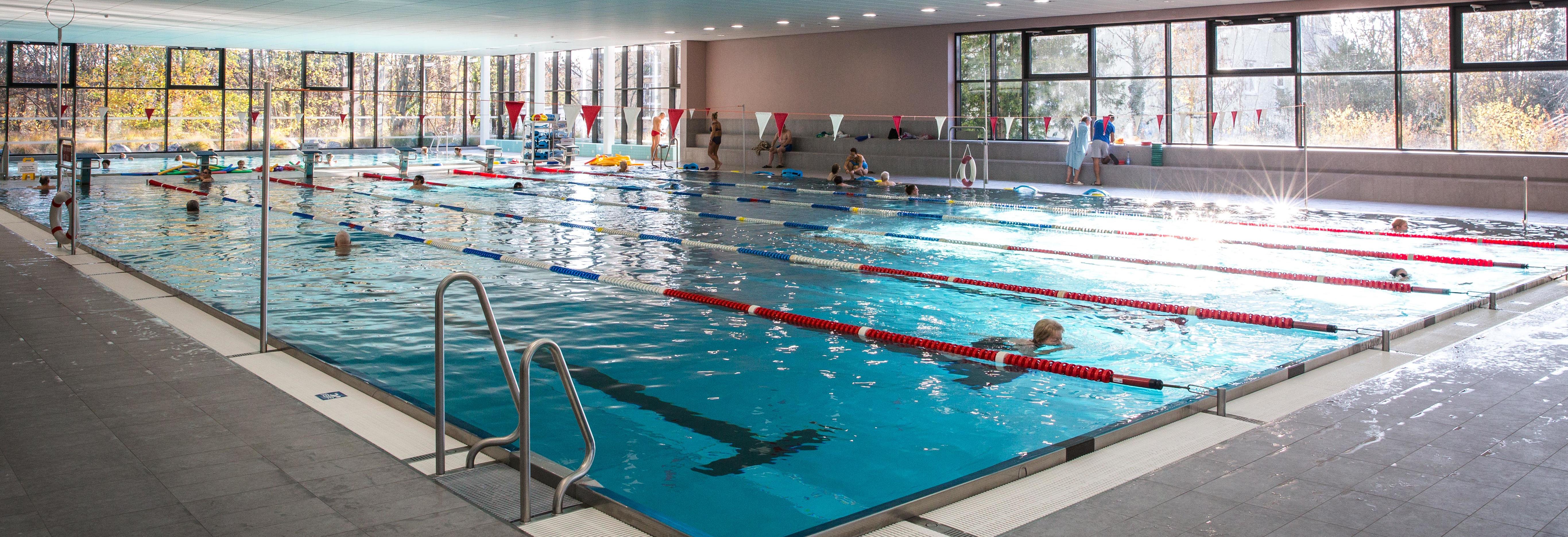 Öffentliches Schwimmen