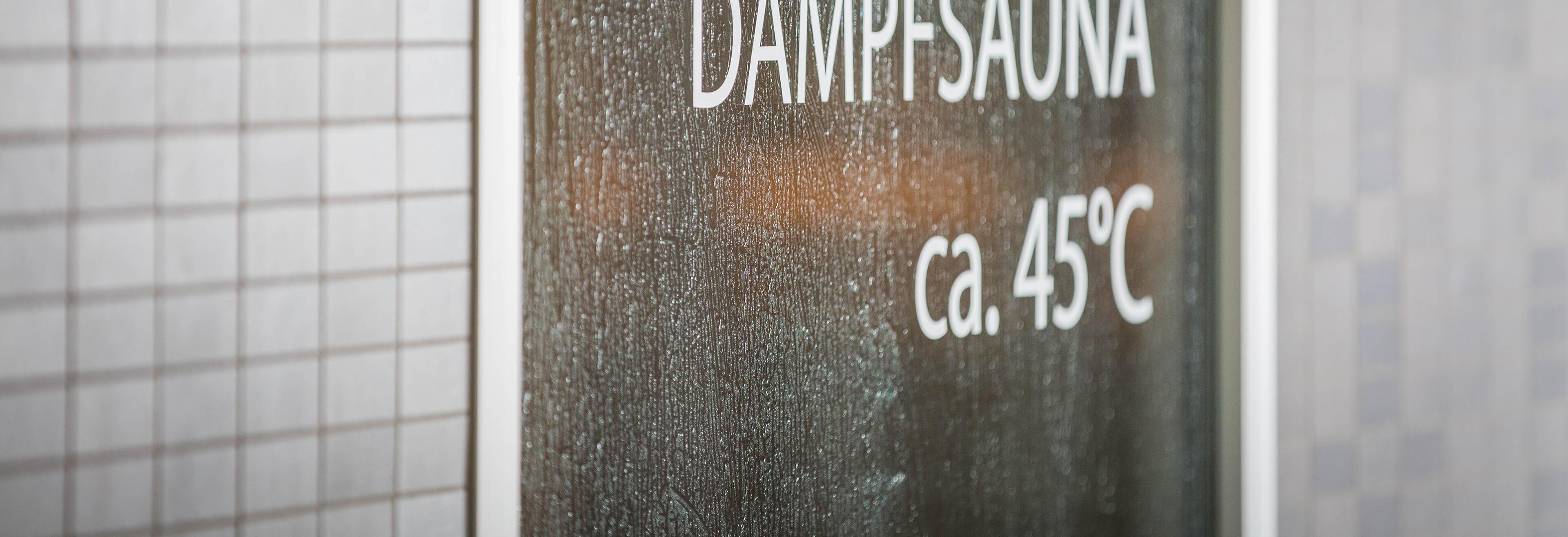 Saunalandschaft auf dem Dach Dampfbad